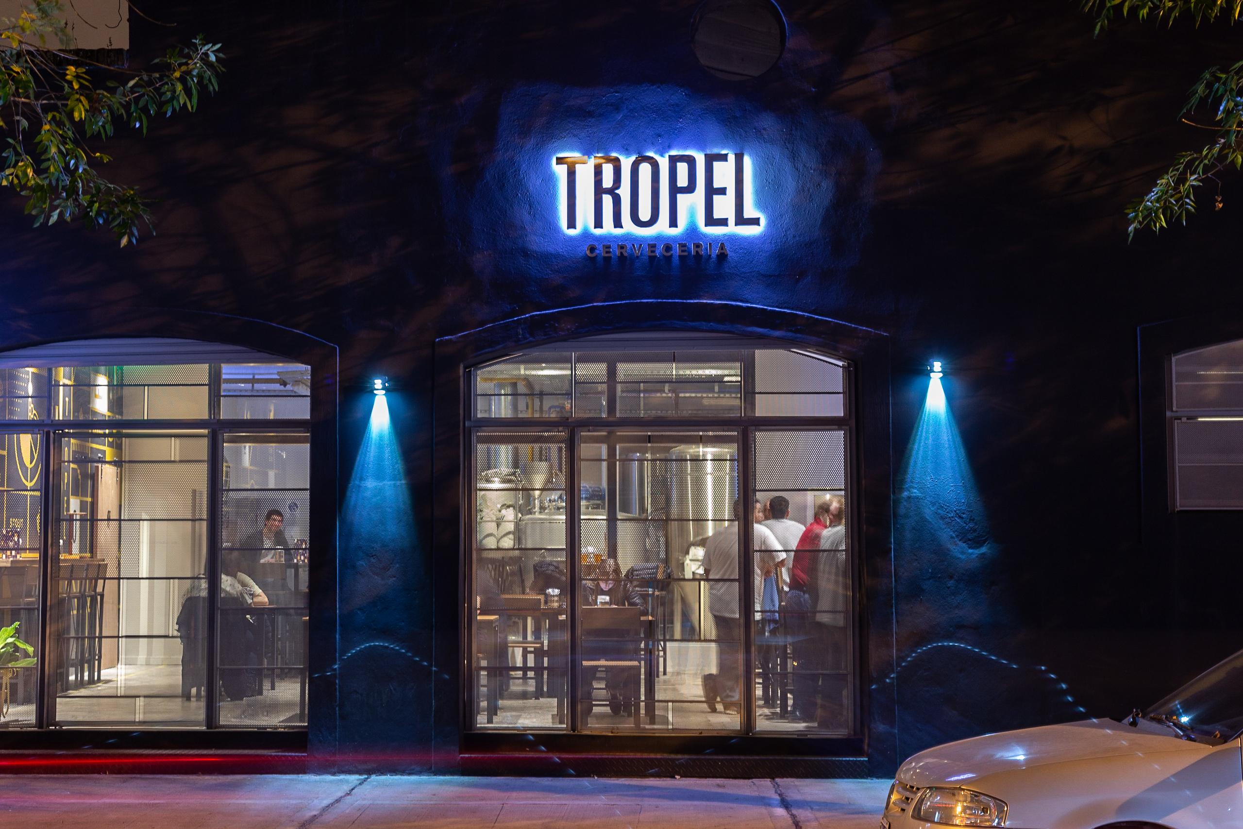 Tropel Bar
